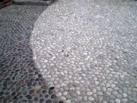 pavimento ciottoli pavimenti in ciottoli la nostra guida pavimenti a roma
