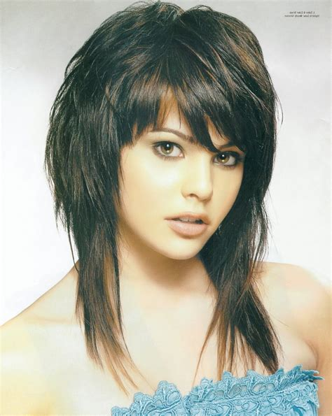 Shaggy Feathered Hairstyles   Fade Haircut