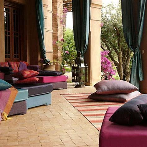 Floor Cushions Decor Ideas picture of using floor pillows in interior decorating
