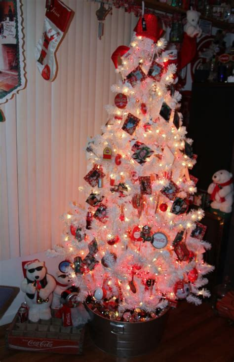my coca cola christmas tree coke addict pinterest