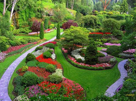 Pretty Flower Garden Beautiful Gardens Azee