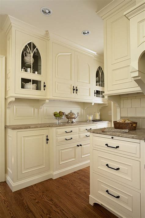neutral kitchen cabinet colors 25 best ideas about cream kitchen cabinets on pinterest