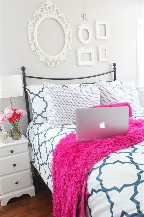 preppy bedrooms 17 best ideas about preppy bedding on preppy bedroom pink pillows and pink tour
