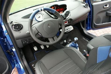 renault twingo interni impressioni di guida renault twingo facelift 2012