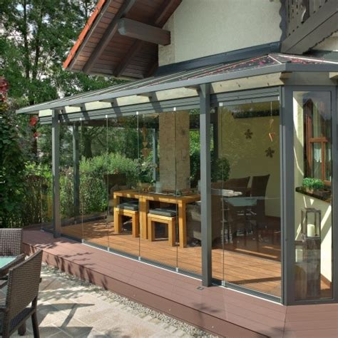 anbau veranda verglasung einer terrasse als anbau eines hauses im raum
