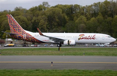 batik air worst airline lion air subsidiaries tap lumexis for ife runway