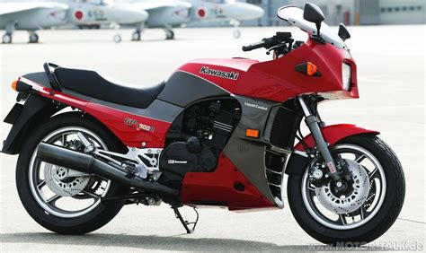 Kawasaki Gpz 900r kawasaki kawasaki gpz900r moto zombdrive