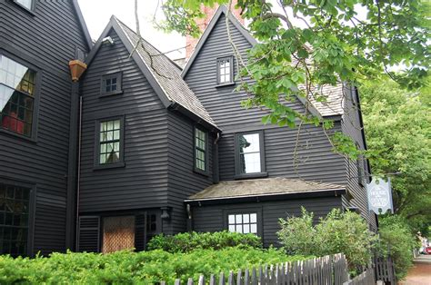 colonial house inn new england architecture guide to house styles in new