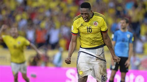 yerry mina barcelona complete 163 10 5 million signing of yerry mina