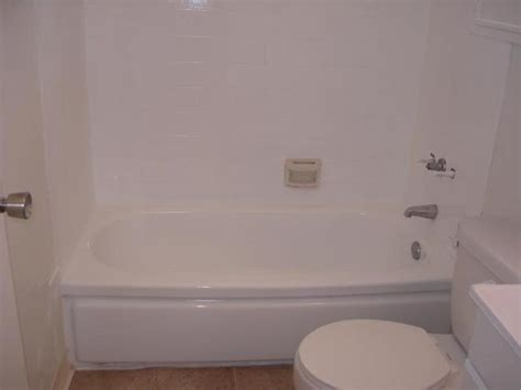 Cost To Reglaze Bathtub by Miscellaneous Pink Tile Bathtub Reglazing Cost Reglaze