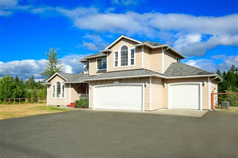 house exterior royalty free stock image image 9586736 house exterior with two car garage and driveway stock