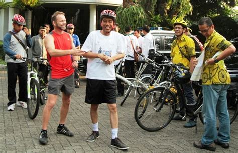 Kaos Bike To Work Bike To Work 16 by Stig Traavik Dubes Norwegia Pilih Bike To Work Di Jakarta