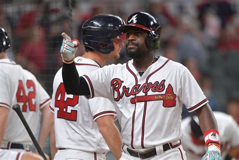 brandon phillips swing phillips leads braves to victory with bat glove