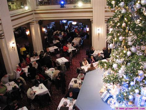 chicago walnut room marshall field s with photo via