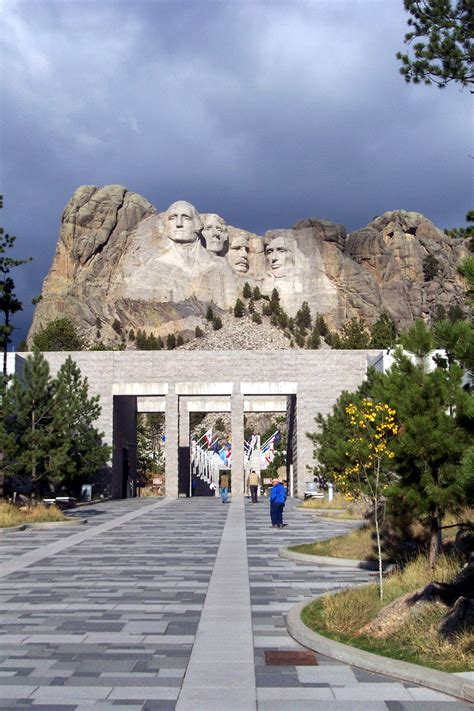 keeping    times mount rushmore national memorial  national park service