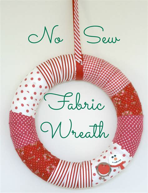 diy no sew fabric wreath for christmas the homemakery blog