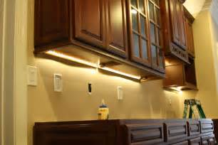 Lighting For Under Kitchen Cabinets Installing Under Cabinet Lighting Decodir