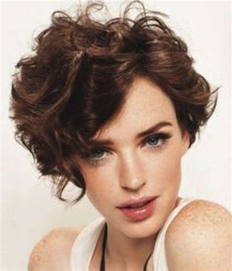 cortes de pelo corto 2015 para mujeres cortes de pelo rizado corto para mujeres oto 241 o invierno