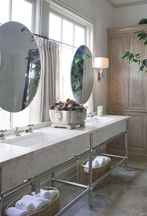 Master Bathroom Mirror Ideas by 25 Best Ideas About Bathroom Vanity Mirrors On
