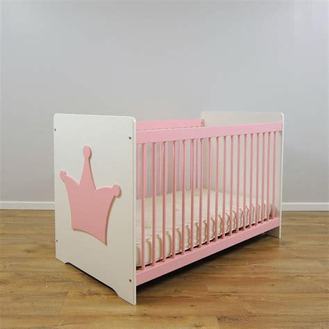 chambre bebe plexiglas pas cher deco chambre bebe design pas cher