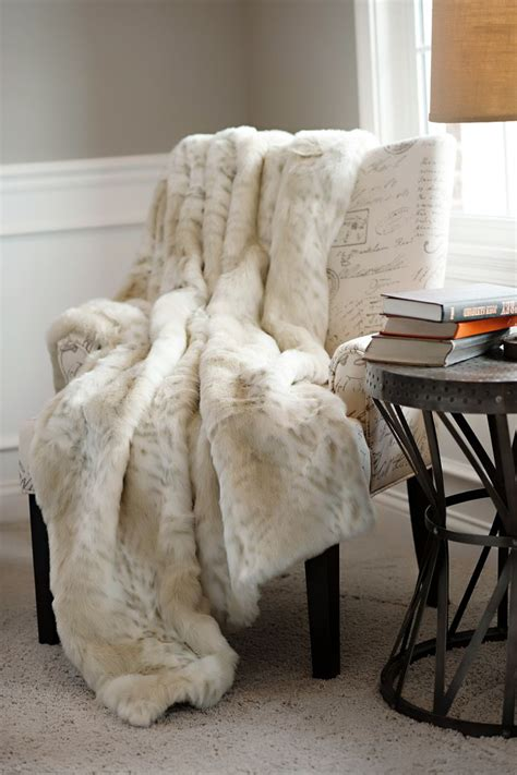 throw blanket on sofa 101 best home decor luxury faux fur throws images on