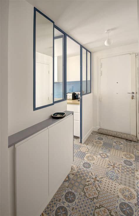 Merveilleux Salle De Bain Carreau Ciment #1: Agence-Avous-Renovation-Appartement-Republique-cuisine-entree-avec-verriere-carreau-de-ciment-saloni-job.jpg