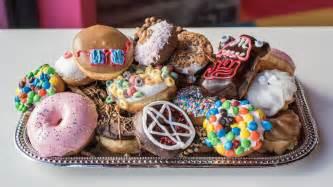 Voodoo Donuts Voodoo Doughnut Spellbinds Today At Universal Citywalk In
