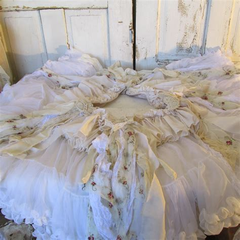 white christmas tree skirt shabby and chic by anitasperodesign