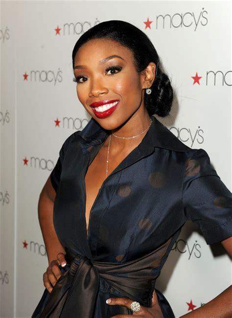 what color lipstick does brandi gainesville wear brandy red lipstick brandy beauty looks stylebistro