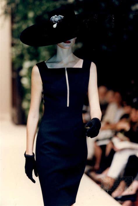 Oscars Trend Noir by Oscar De La Renta Black Dress ஐ