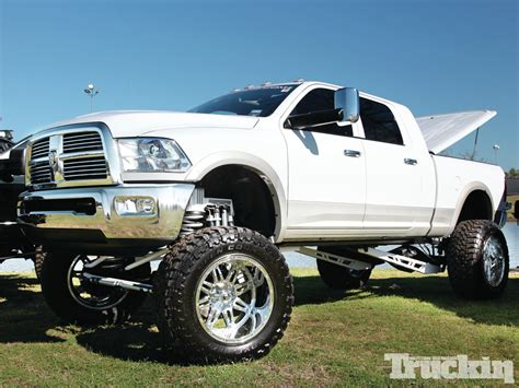 lifted 2013 dodge ram top dodge ram 2500 lifted wallpapers