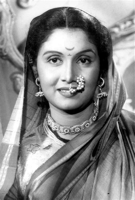 bollywood heroine unmarried legendary actress sulochana latkar born 30 july 1928 is a