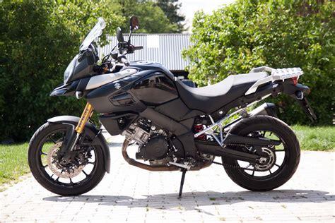 Motorrad Test Suzuki V Strom 1000 by Suzuki V Strom 1000 Test Stunts Fahraufnahmen