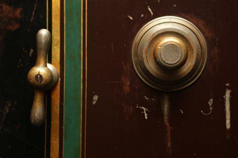improve your home security by understanding how burglars