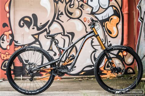 commencal supreme review commencal s supreme dh 29 is an unflinching race