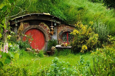 hobbit houses the hobbiton movie set new zealand world for travel