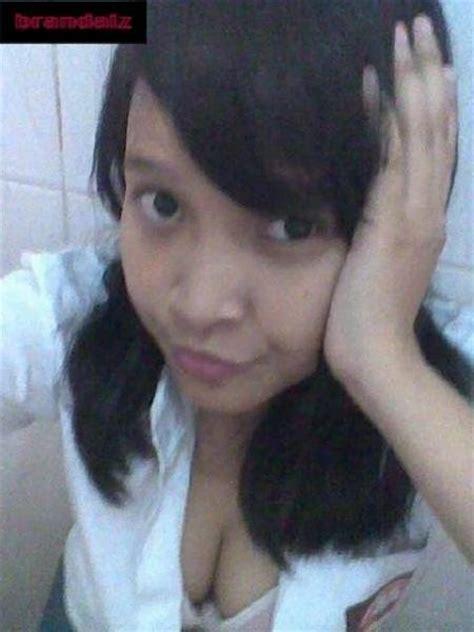 foto sexy anak sekolah sma dari jepang hot dah foto abg hot anak sma yg lagi bosen di wc download