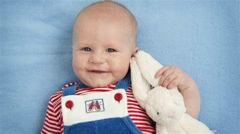 bimbo 13 mesi alimentazione sviluppo bambino a 5 mesi paginemamma