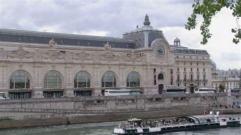 bateau mouche orsay denkmal paris rf video 447 725 394 in hd framepool