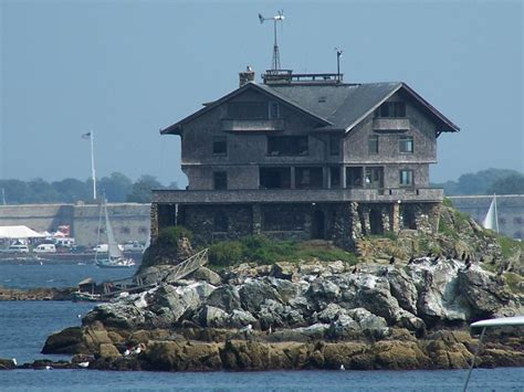 the house bay panoramio photo of house on the rocks narragansett bay