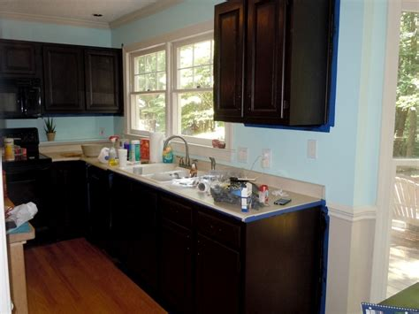 how to stain kitchen cabinets how to gel stain your kitchen cabinets