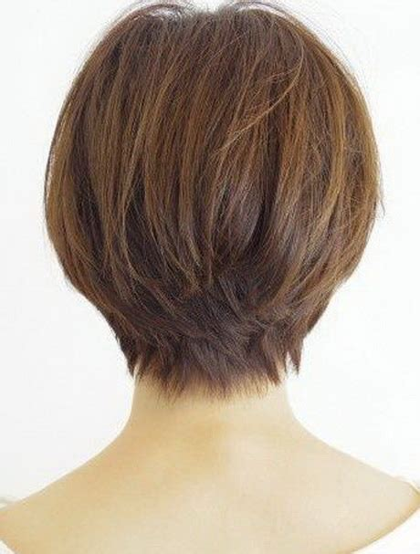 back of head showing a wedge hairstyle short hair styles back view