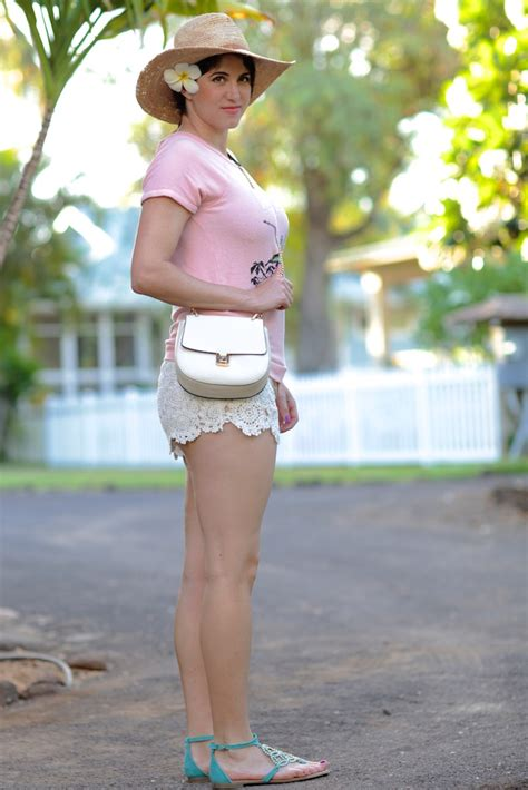 billabong beach babe laura lily
