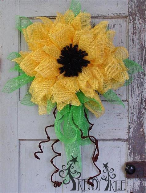 paper flower wreath tutorial yellow paper flower tutorial trendy tree flower and mesh