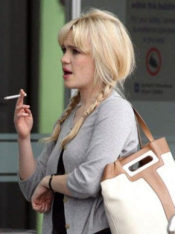 uk female celebrities smoking 29 best images about smokers on pinterest