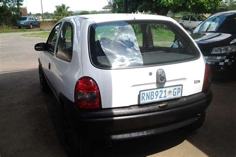 opel corsa 2004 white 2004 opel corsa lite 1 4i hatchback fwd cars for sale