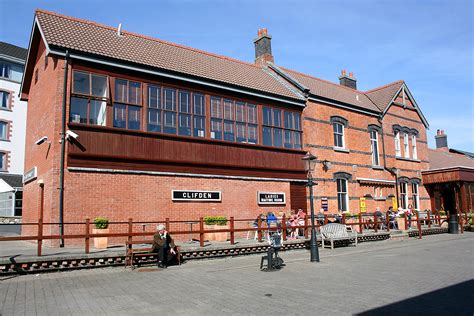 the station house file clifden station house jpg wikimedia commons