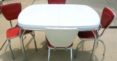 coca cola table and chairs set 1950 chrome tables 1950 s dinette set coca cola colors