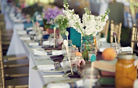 Simple Floral Mason Jar Centerpieces   Budget Brides Guide