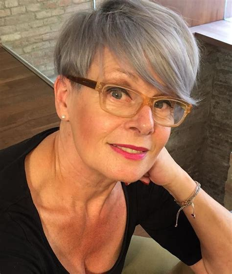 women over 50 deep side bangs 80 classy and simple short hairstyles for women over 50